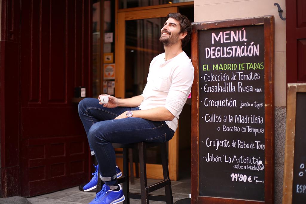 Bow Tie Blue La Posada Del Dragon Madrid La Latina La Antoñita_19
