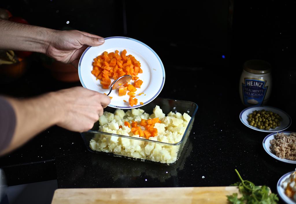 Bow Tie Blue Receta Ensaldilla Rusa con Mayonesa Heinz Realmente Deliciosa_11