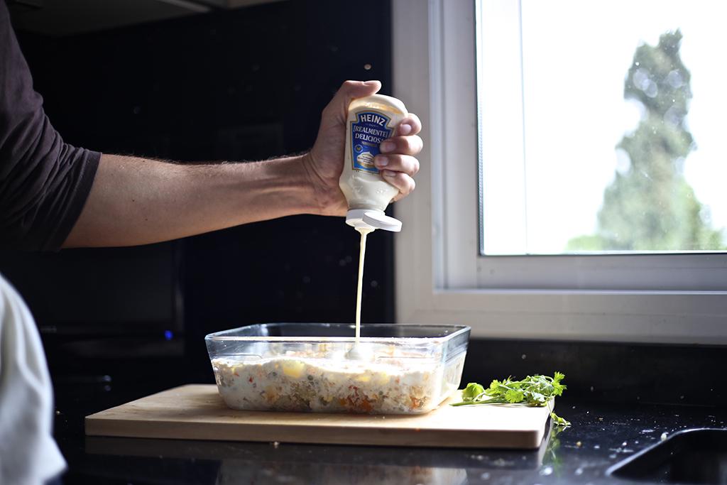 Bow Tie Blue Receta Ensaldilla Rusa con Mayonesa Heinz Realmente Deliciosa_16