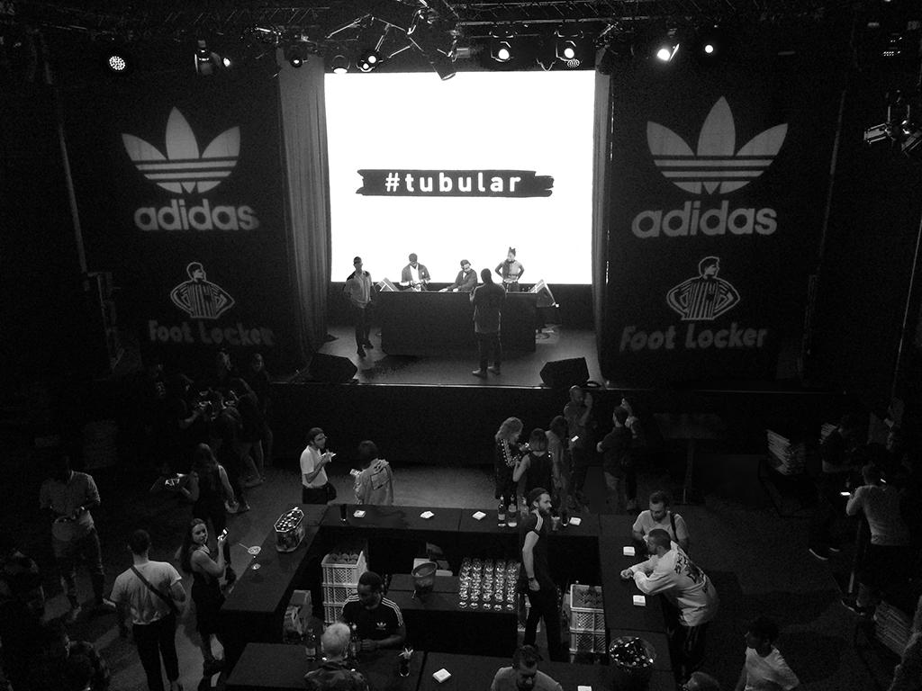 Bow Tie Blue Evento Adidas Tubular Paris_2