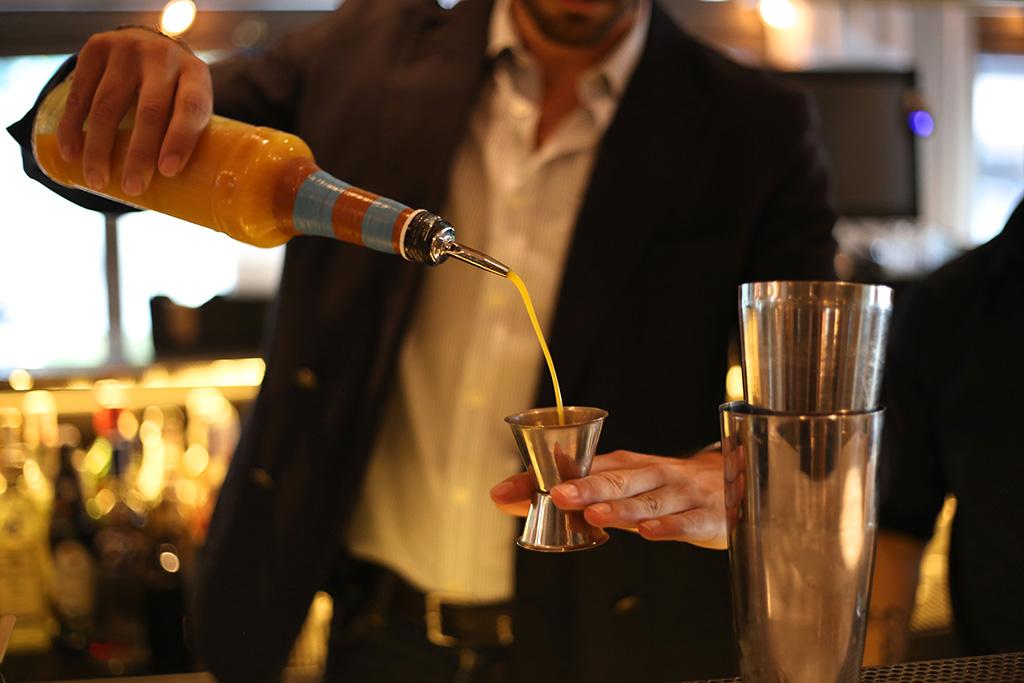 bow-tie-blue-mixologya-ruta-de-cocteles-por-madrid-la-habanera-bow-tie-gin_7