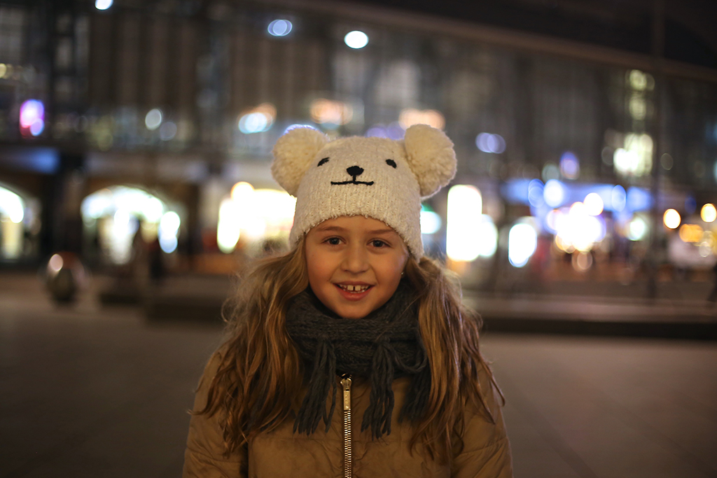 bow-tie-blue-alexanderplatz-christmas_1