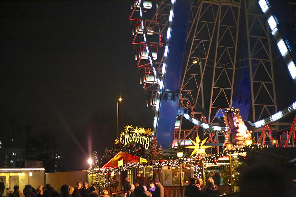 bow-tie-blue-alexanderplatz-christmas_14